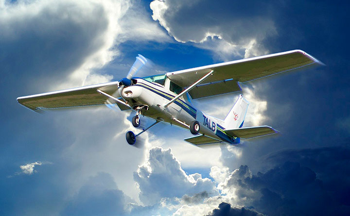 Light Aircraft Manufacturers Review