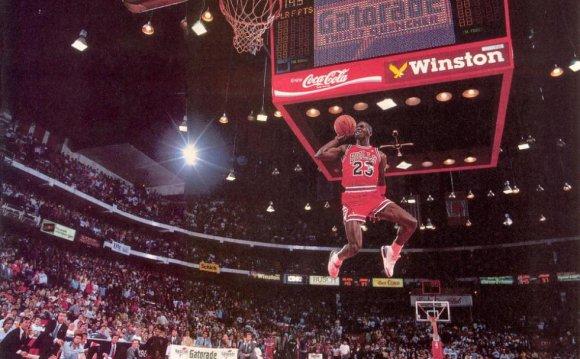 Custom Fly To the Basket MJ