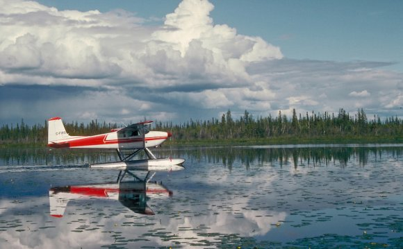 Small float plane prepares to
