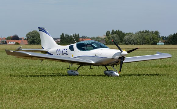 OO-KCE Private Czech Sport