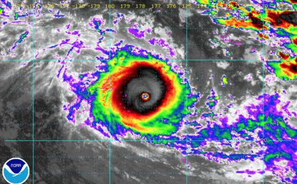 Live Tropical Cyclone Winston