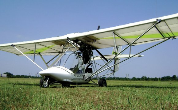Two-seat ultralight trainers