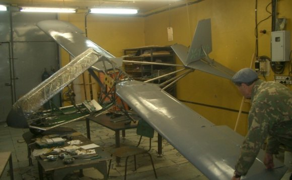 Small ultralight aircraft