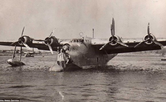 Flying boat plane